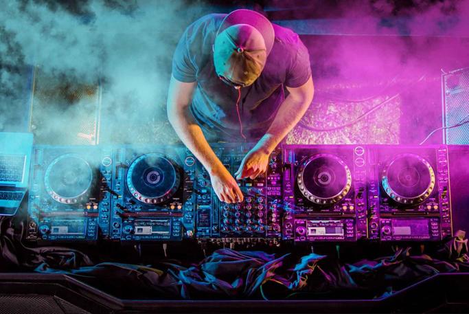 Music band – Singer -DJ